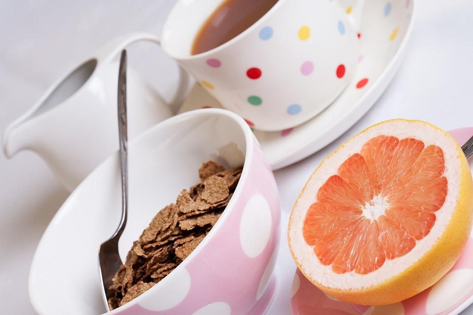 Полезный завтрак с грейпфрутом