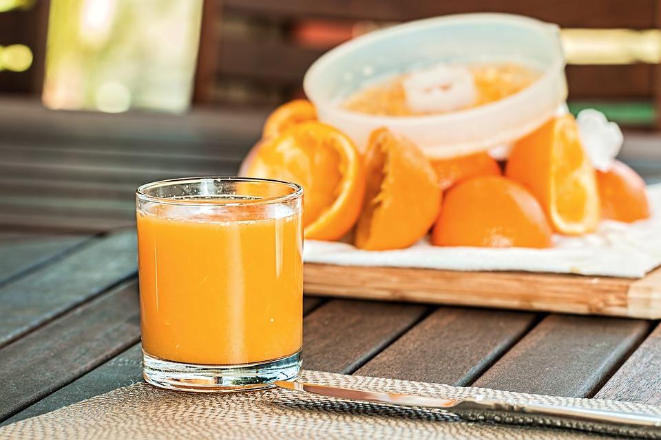 Польза апельсинового сока свежевыжатого