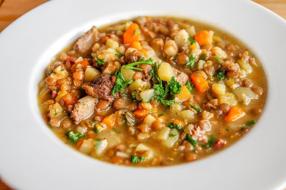 Чечевичный суп - отличное дополнение к здоровому рациону питания